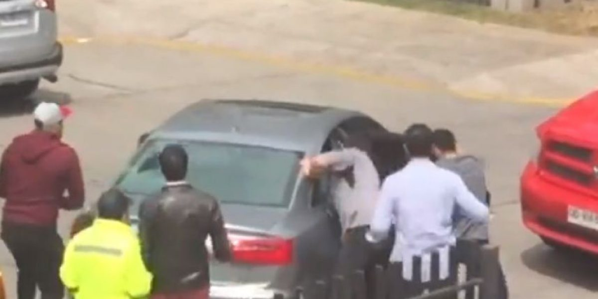 PDI detiene a dos adolescentes tras robar un auto de lujo y una óptica en Vitacura