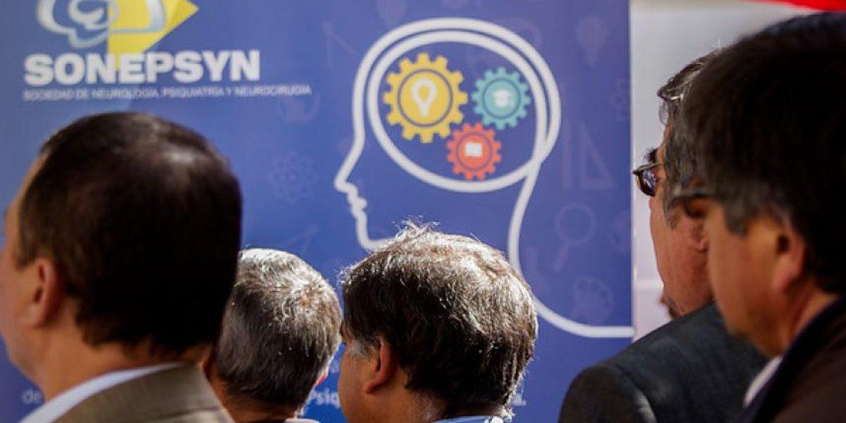 Expertos mundiales en accidentes cerebrovasculares debaten en Santiago