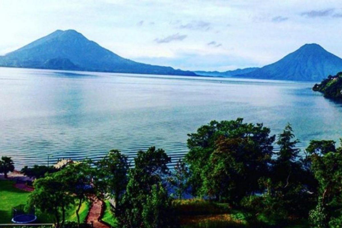 Está rodeado de tres impresionantes volcanes. Foto:instagram.com/yo.diego. Imagen Por: