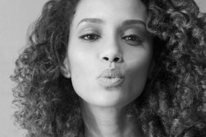 """Interpretó a Elza Soares, la famosa cantante de samba, en el biopic de """"Garrincha"""": Foto:vía Facebook/ Taís Araújo. Imagen Por:"""