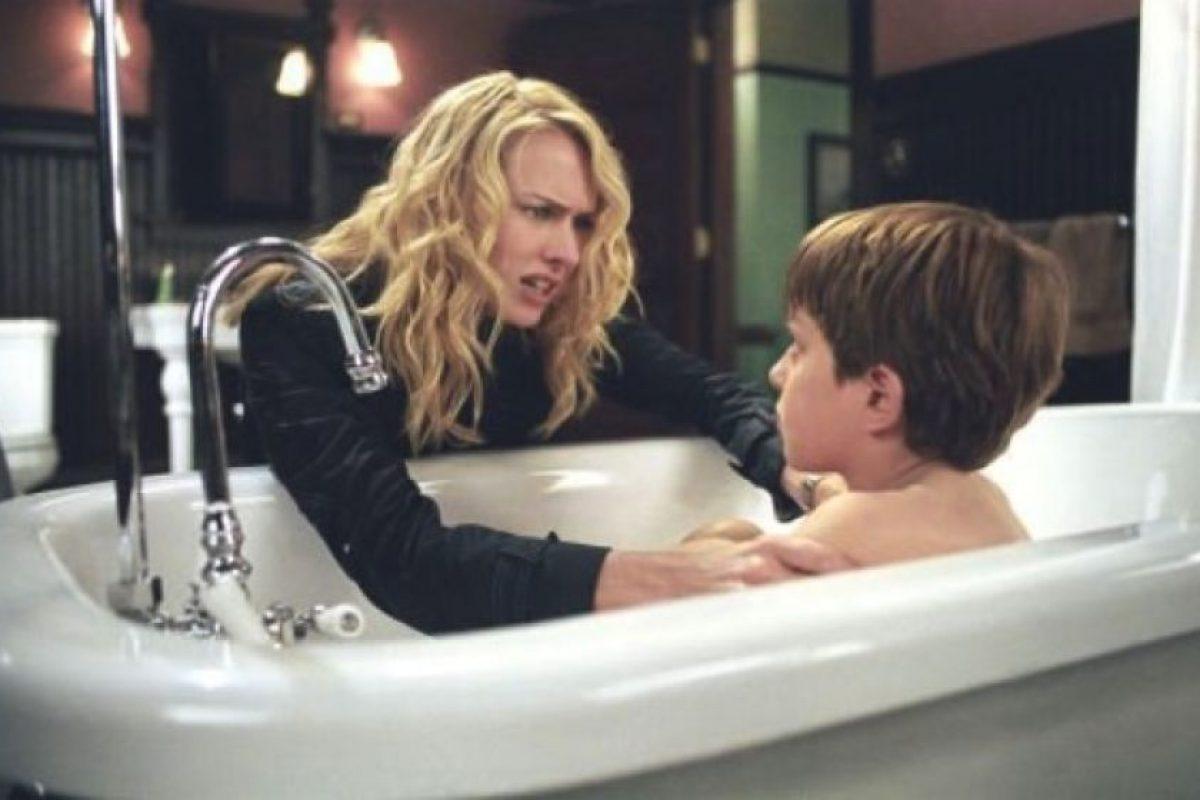 """El hijo de """"Rachel Keller"""", una periodista que intentaba aclarar el misterio tras un video que mataba personas en siete días. Foto:IMDB. Imagen Por:"""