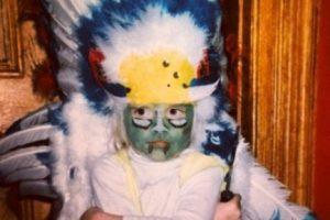 A sus 23 años ya no luce tantas plumas en la cabeza, pero es la favorita de las pasarelas. Foto:vía instagram.com/caradelevingne. Imagen Por: