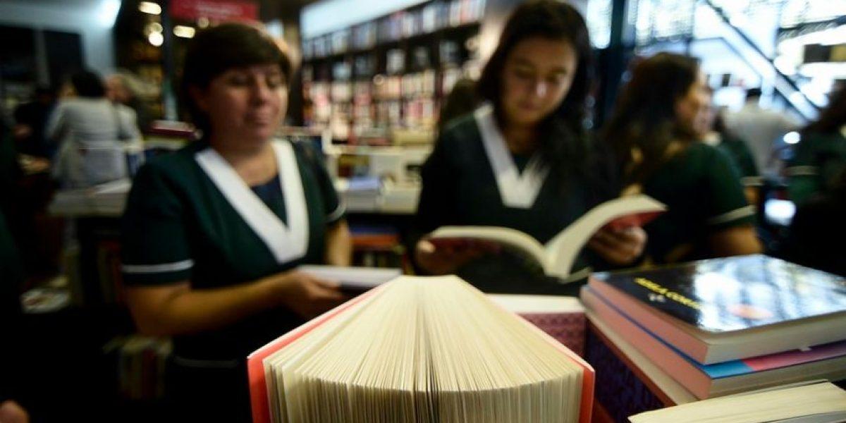Esto dice el texto erótico que se entregó en 282 colegios de Chile