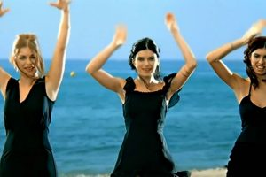 """En 2002 el pegadizo ritmo de """"Aserejé"""" invadía el mundo. Foto:vía Youtube/Las Ketchup. Imagen Por:"""