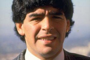 Debutó en la Primera División en 1976 con Argentinos Juniors, cuando tenía 15 años de edad. Foto:Getty Images. Imagen Por: