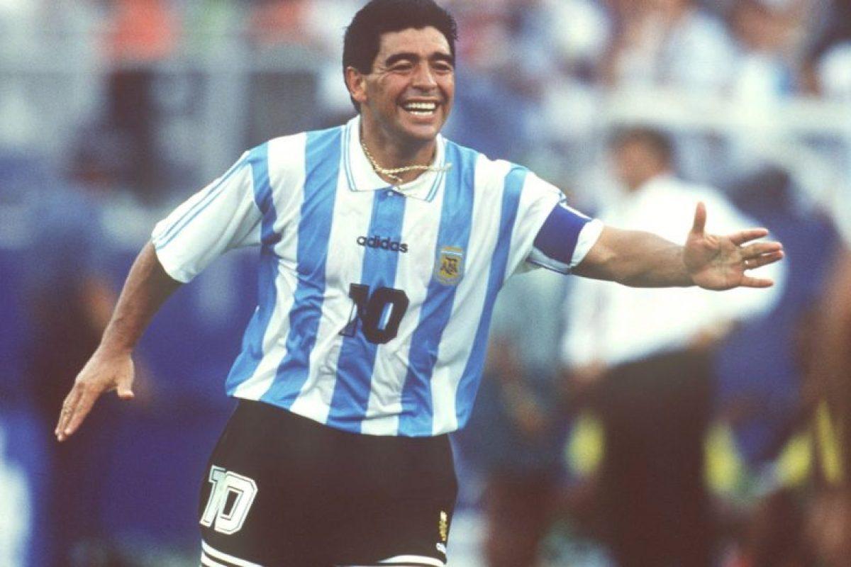 """Maradona jugó su último Mundial en Estados Unidos 1994, torneo del que fue expulsado por dar positivo en el control antidoping. El """"Pelusa"""" fue suspendido por quince meses por lo cual debió abandonar al instante la concentración de la """"Albiceleste"""".. Imagen Por:"""