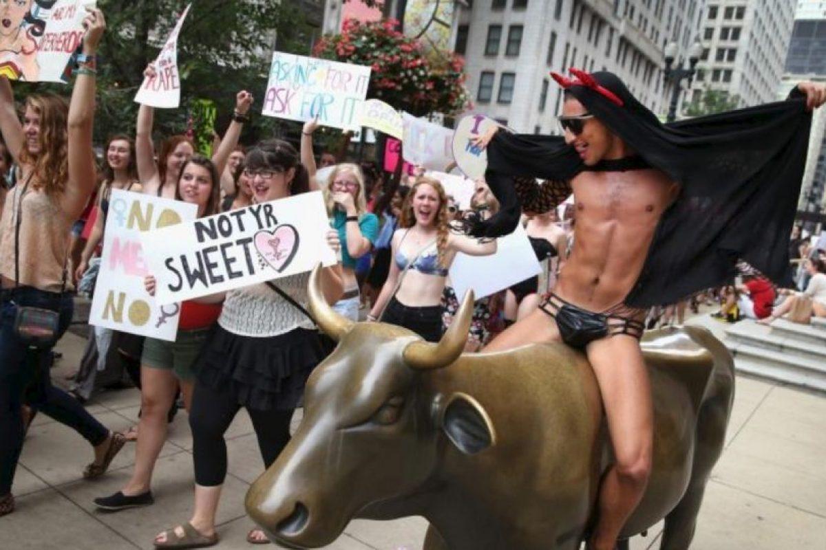 """Su movimiento se asemeja al de """"Slutwalk"""" en Canadá. Foto:vía Getty Images. Imagen Por:"""