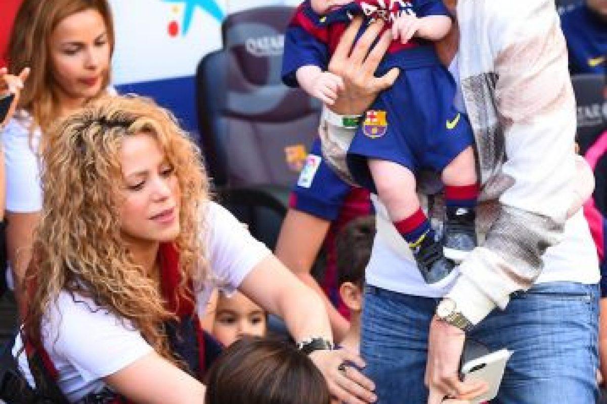 Shakira, Milan y Sasha Foto:Grosby Group. Imagen Por: