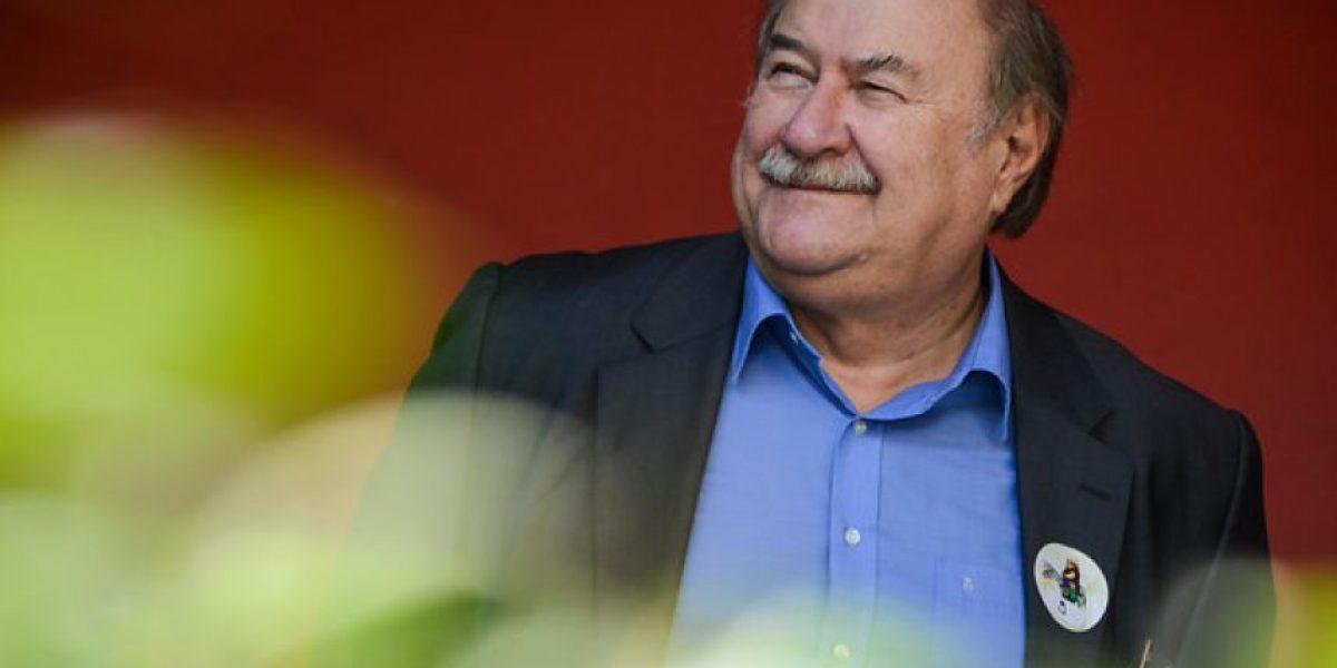 Antonio Skármeta presentó su libro Libertad en movimiento en FILSA