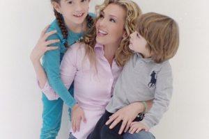 Thalía y sus hijos Sabrina y Matthew Foto:Instagram/thalia. Imagen Por: