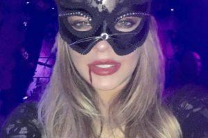 La actriz mostró su lado felino con este sensual atuendo. Foto:vía instagram.com/lindsaylohan. Imagen Por:
