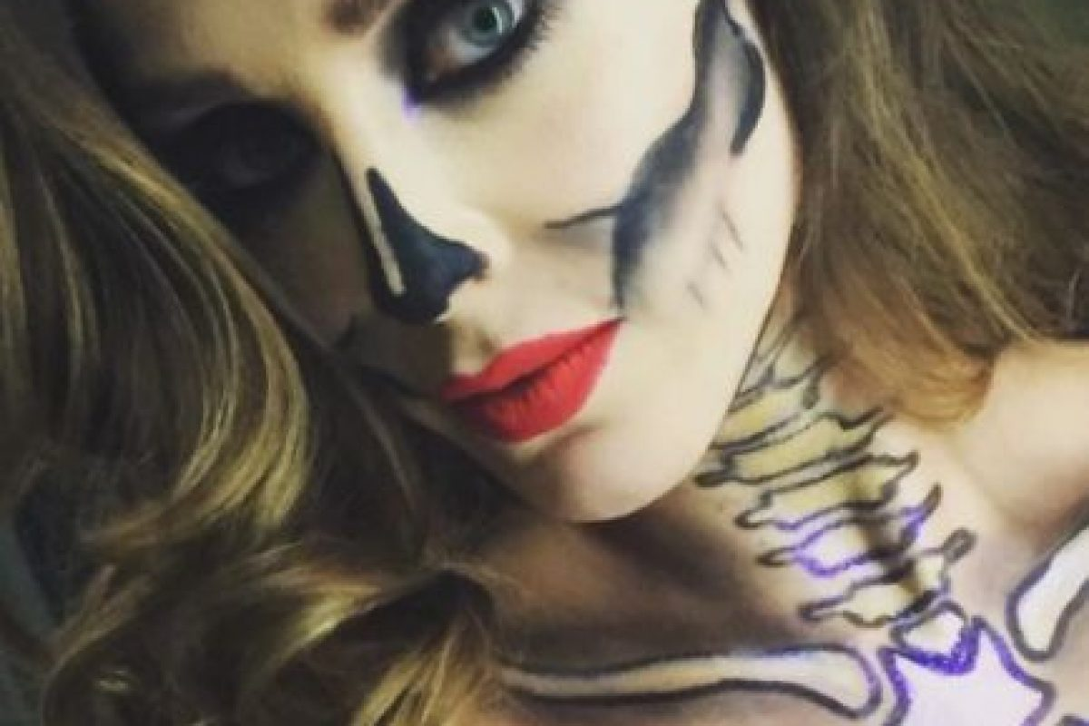 La cantante mexicana se sumó a la moda de las catrinas. Foto:vía instagram.com/anahi. Imagen Por: