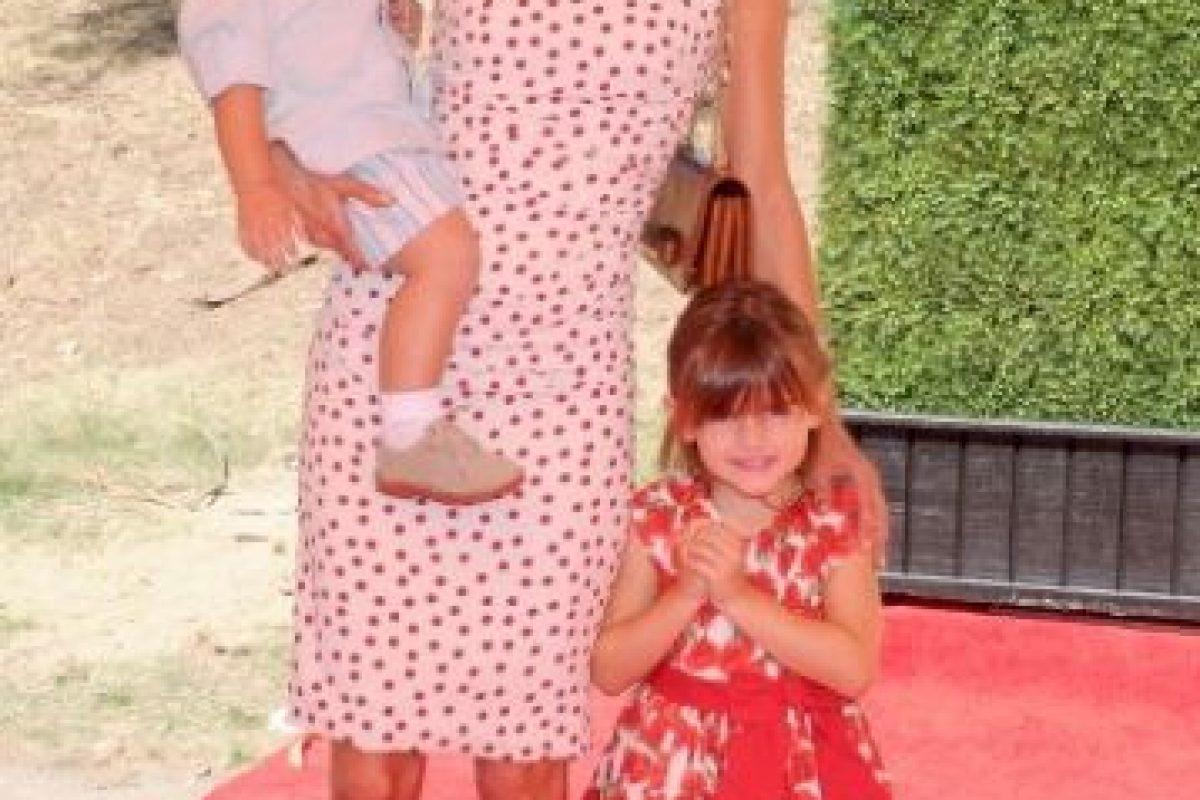 Alessandra Ambrosio y sus hijos Anja Louise y Noah. Foto:Getty Images. Imagen Por: