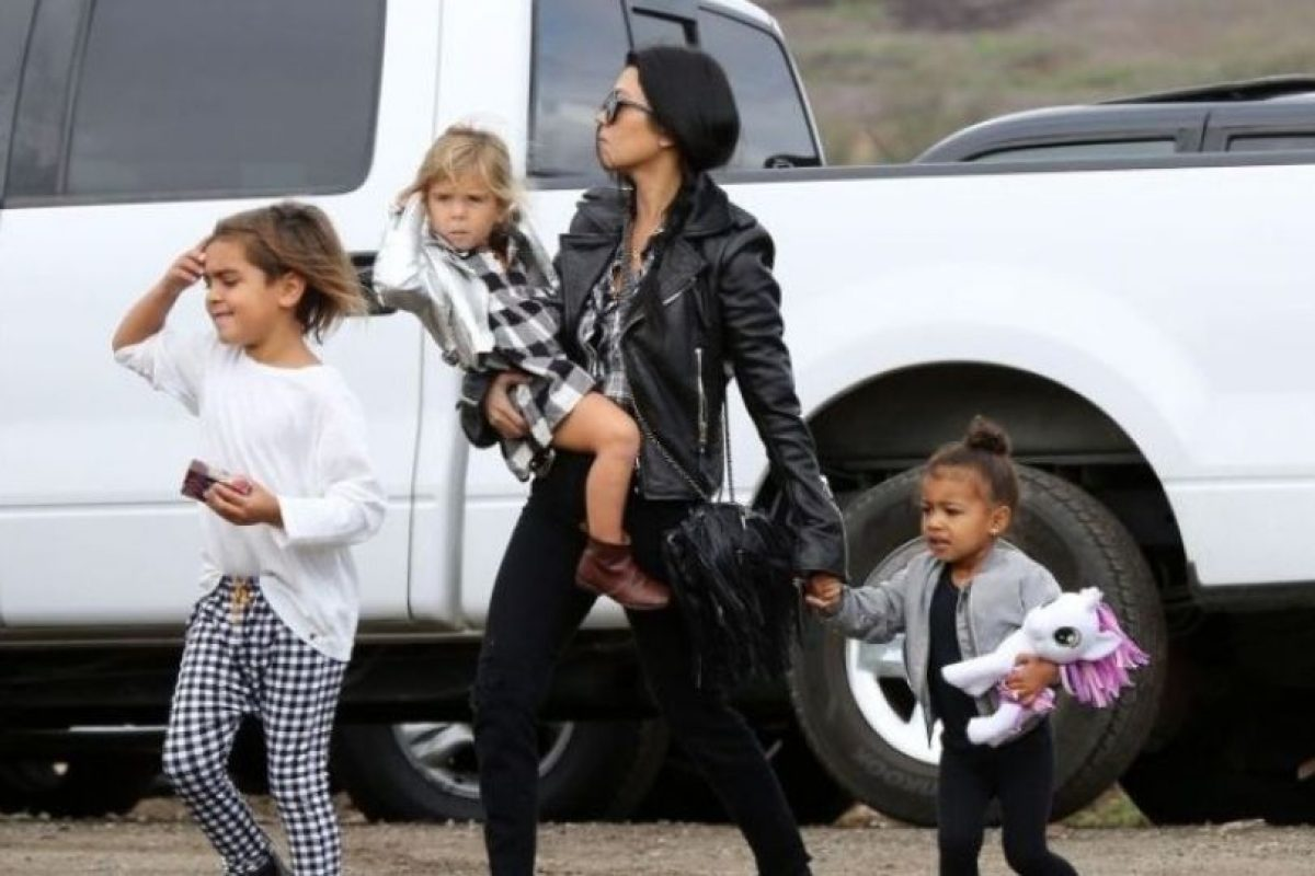 Kourtney Kardashian, Mason, Penélope y North Foto: Grosby Group. Imagen Por:
