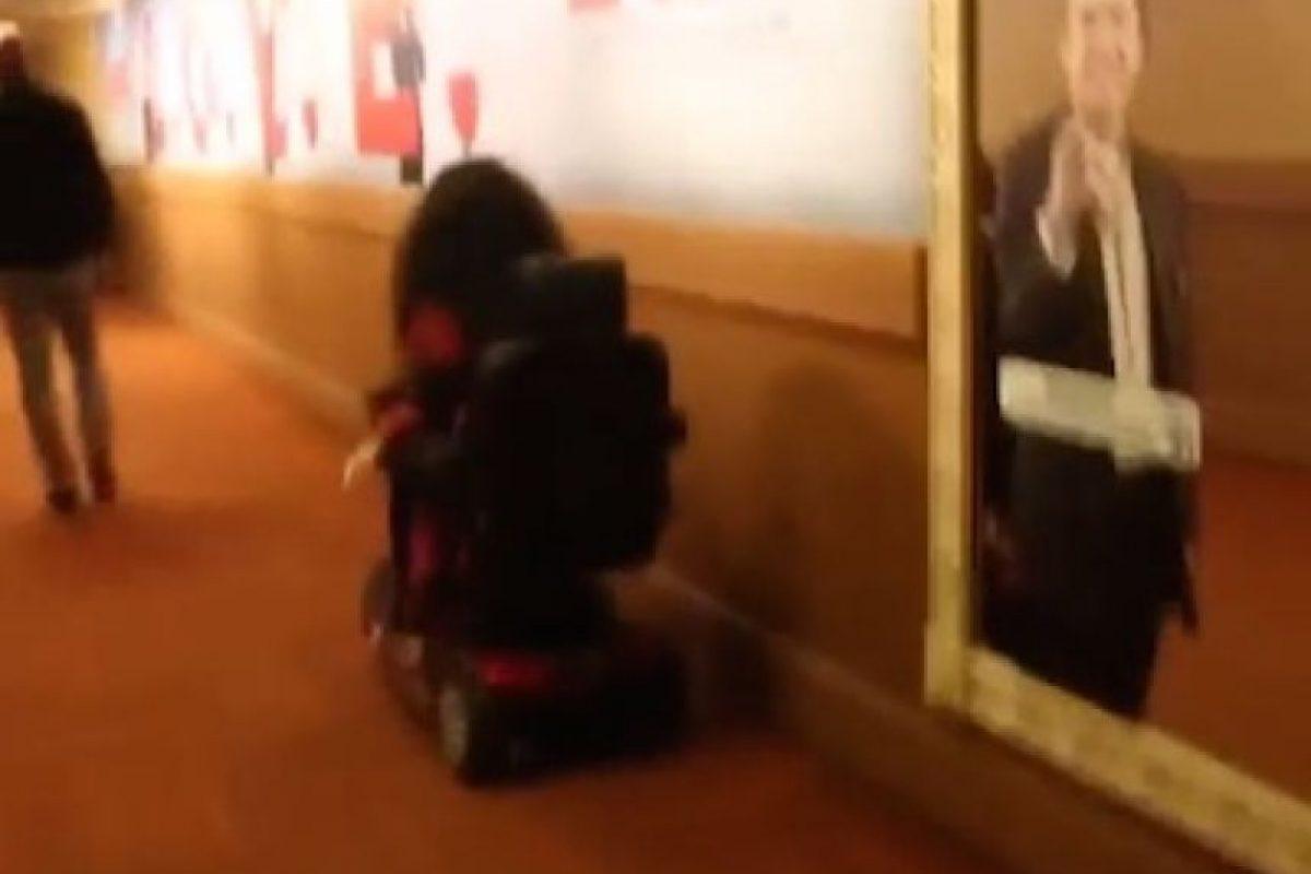 Mujer en silla de ruedas. Foto:Instagram/nickiminaj. Imagen Por: