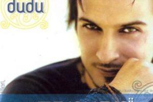 """Tarkan ya era un artista consagrado en Europa, principalmente en Alemania, cuando llegó el éxito con Simarik. Luego siguió su álbum """"Karma"""" y luego """"Dudu"""". Foto:vía Facebook/Tarkan. Imagen Por:"""