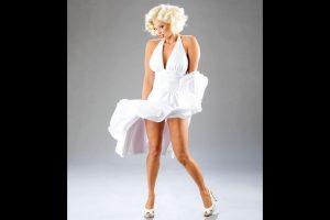 Candice Michelle como Marilyn Monroe. Foto:WWE. Imagen Por: