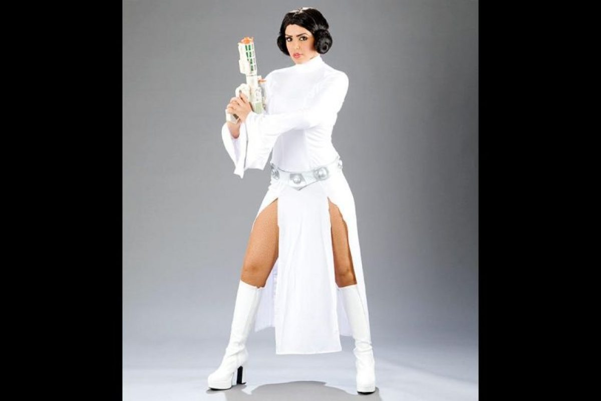 """Layla como la """"Princesa Leia"""" de Star Wars. Foto:WWE. Imagen Por:"""
