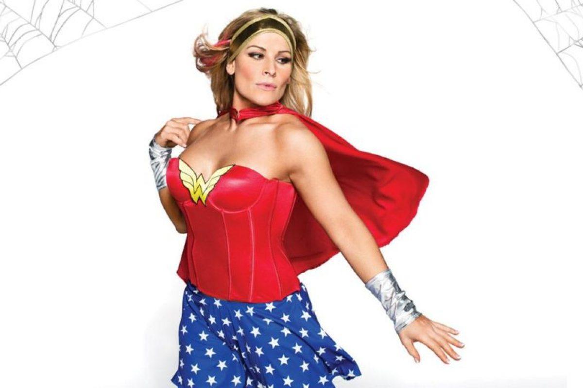 """Natalya como la """"Mujer Maravilla"""". Foto:WWE. Imagen Por:"""