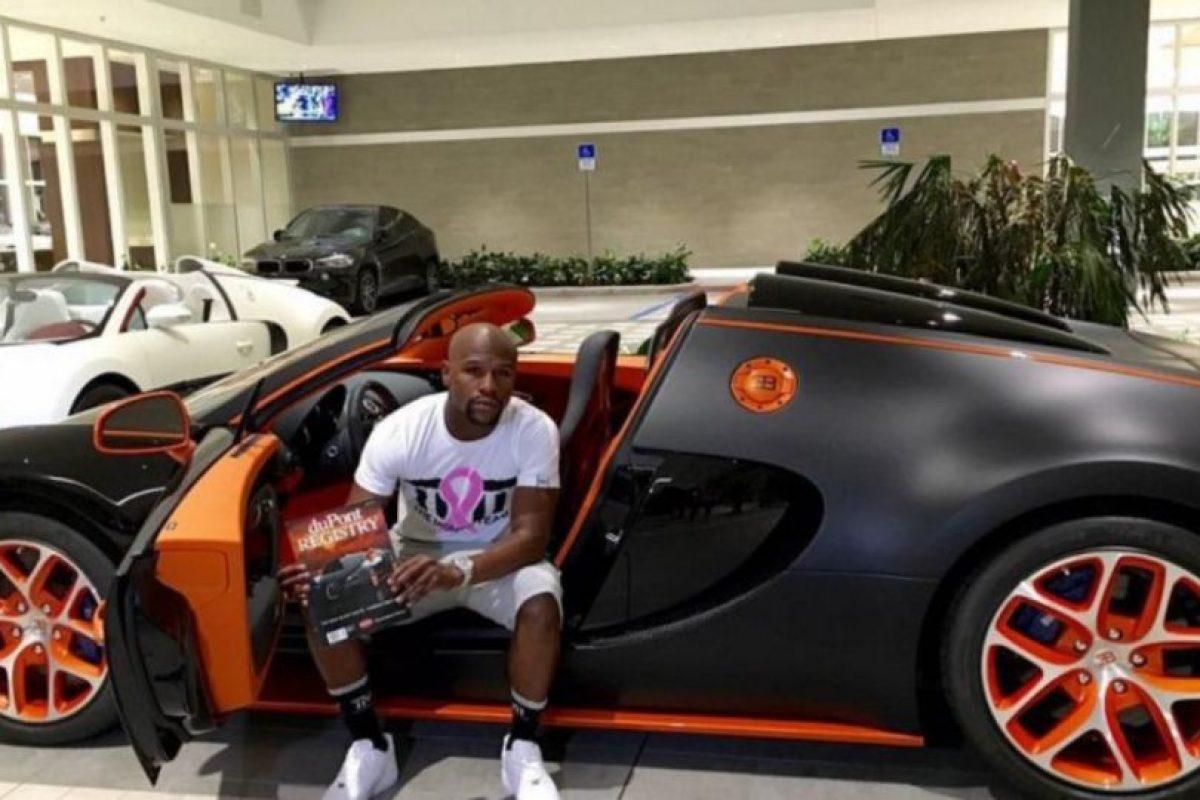 El último de ellos que se compró fue este Bugatti Veyron de 3.5 millones de dólares. Foto:instagram.com/FloydMayweather. Imagen Por:
