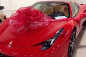 Y hace costosos regalos de este tipo a sus allegados. Foto:instagram.com/FloydMayweather. Imagen Por: