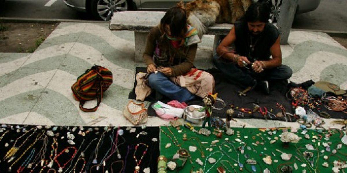 Con una feria en la Plaza de la Constitución celebran el día nacional del artesano