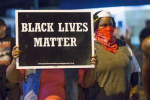 10. En esta ocasión las manifestaciones no fueron solo en Ferguson, miles de personas en ciudades como Nueva York y Los Ángeles protestaron y pidieron justicia para Brown. Foto:Getty Images. Imagen Por: