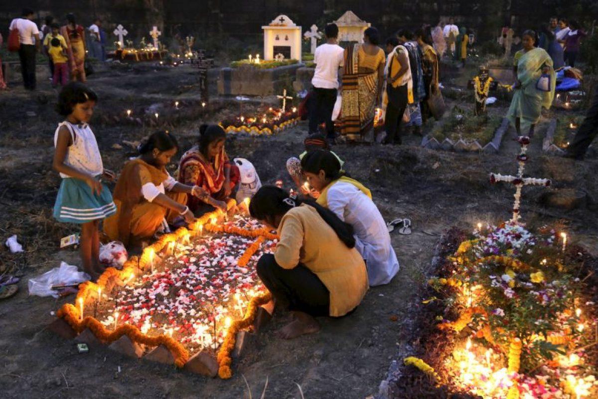 Día de Todas las Almas en India Foto:AP. Imagen Por: