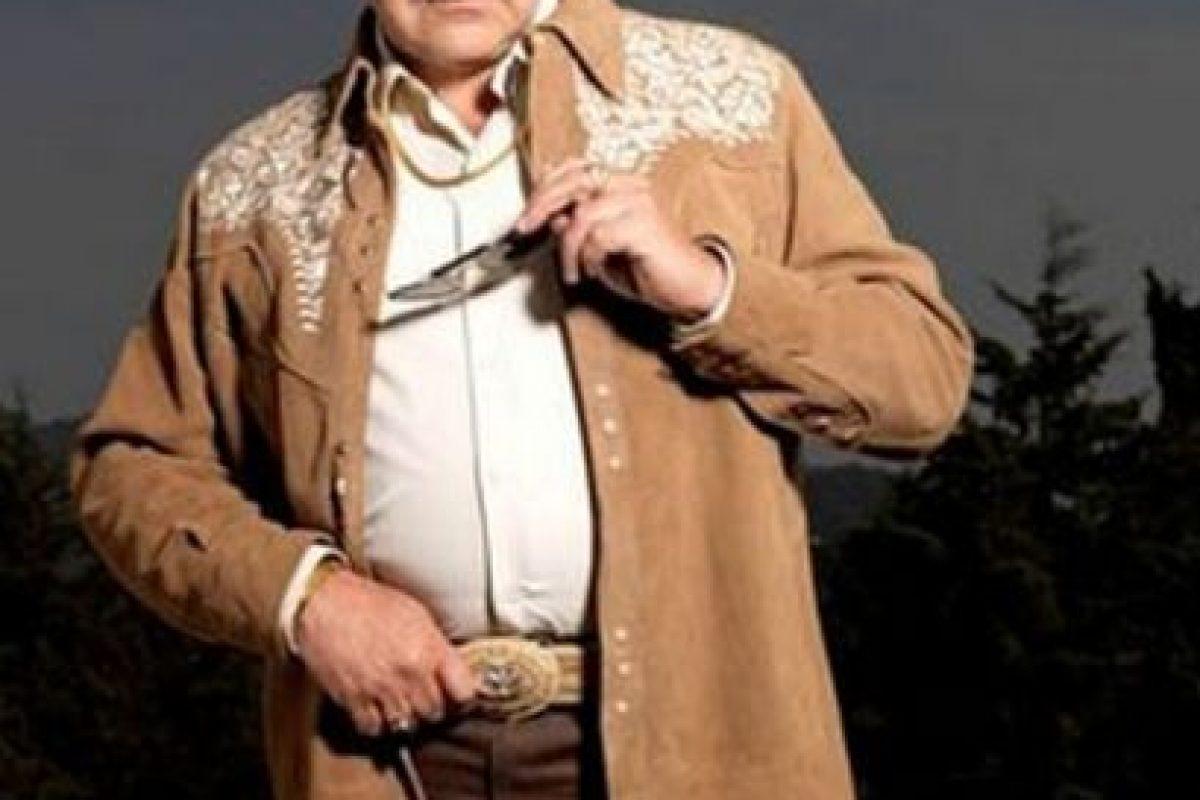 "Cleto Letrán, conocido como ""don Cleto"" era Ernesto Fonseca Carrillo en la serie, protagonizado por Javier Díaz Dueñas Foto:Telemundo. Imagen Por:"