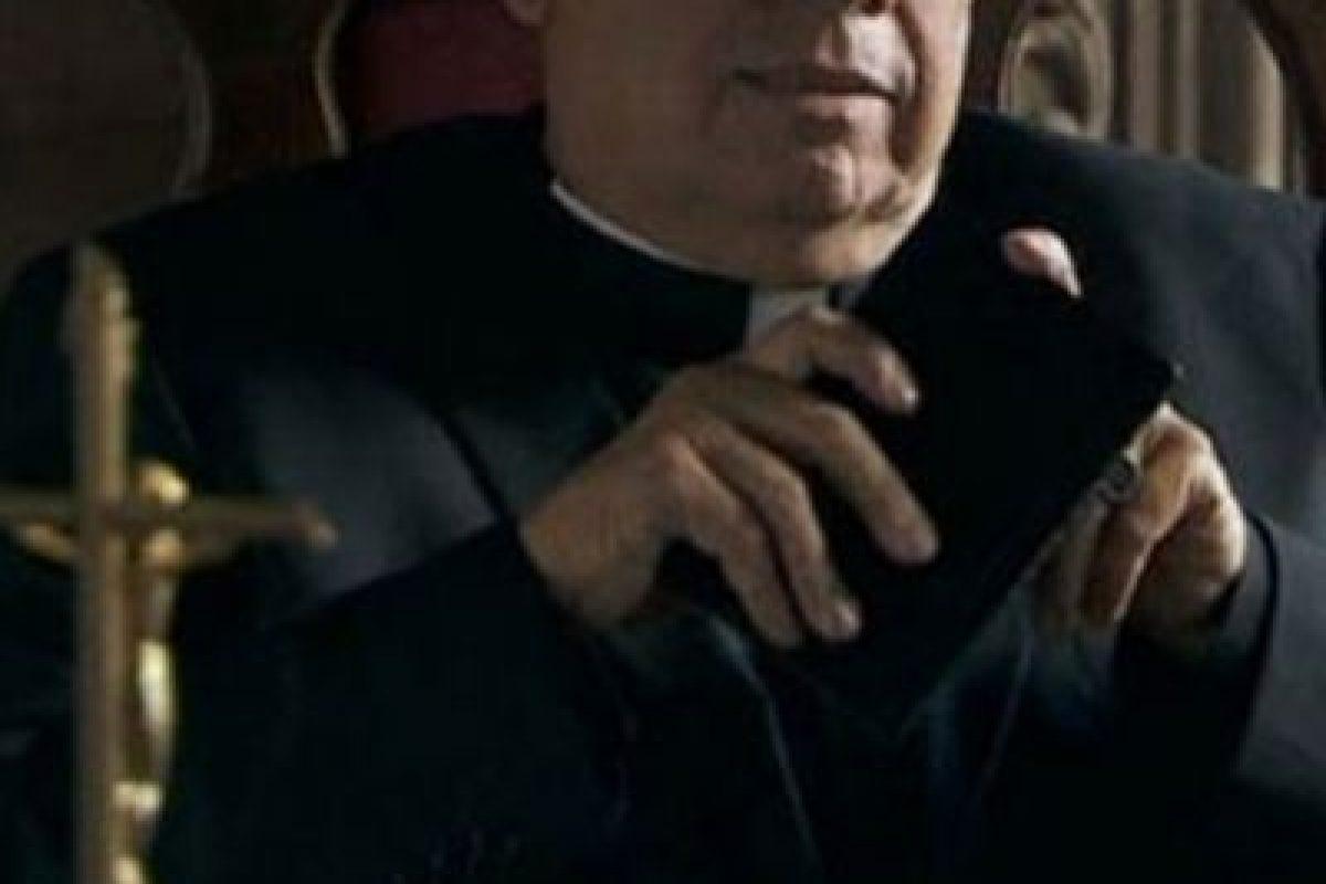 Cardenal Pastrana era Cardenal Jesús Posadas Ocampo, Emilio Guerrero hizo este papel Foto:Telemundo. Imagen Por:
