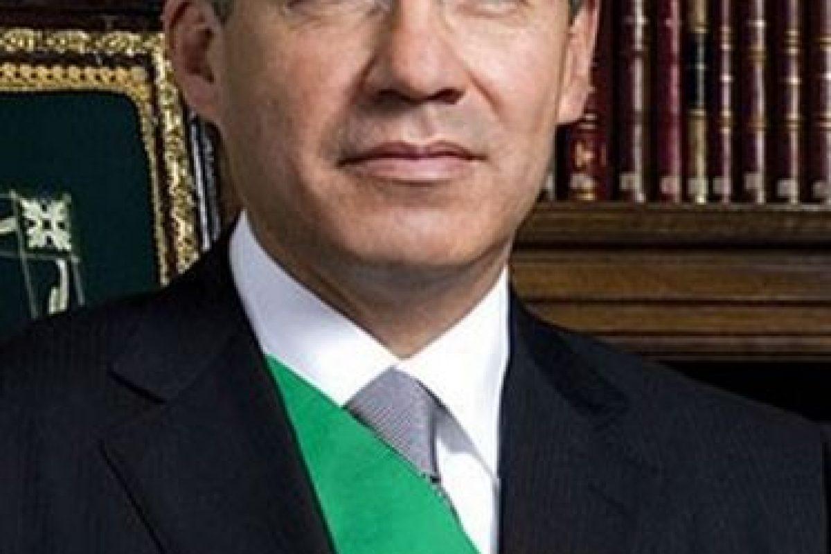 Político mexicano del Partido de Acción Nacional (PAN), presidente de México entre 2006 y 2012 Foto:Pinterest. Imagen Por:
