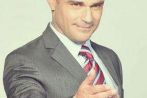 Felipe Calderón Hinojosa era Enrique Morejón, papel realizado por Carlos Torres Foto:Telemundo. Imagen Por:
