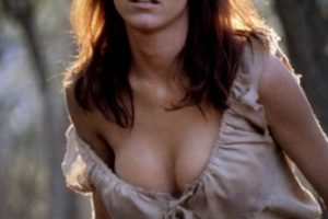 """La actriz francesa Carole Bouquet fue la chica Bond de Roger Moore en la cinta """"For your eyes only·. Foto:Tumbrl. Imagen Por:"""