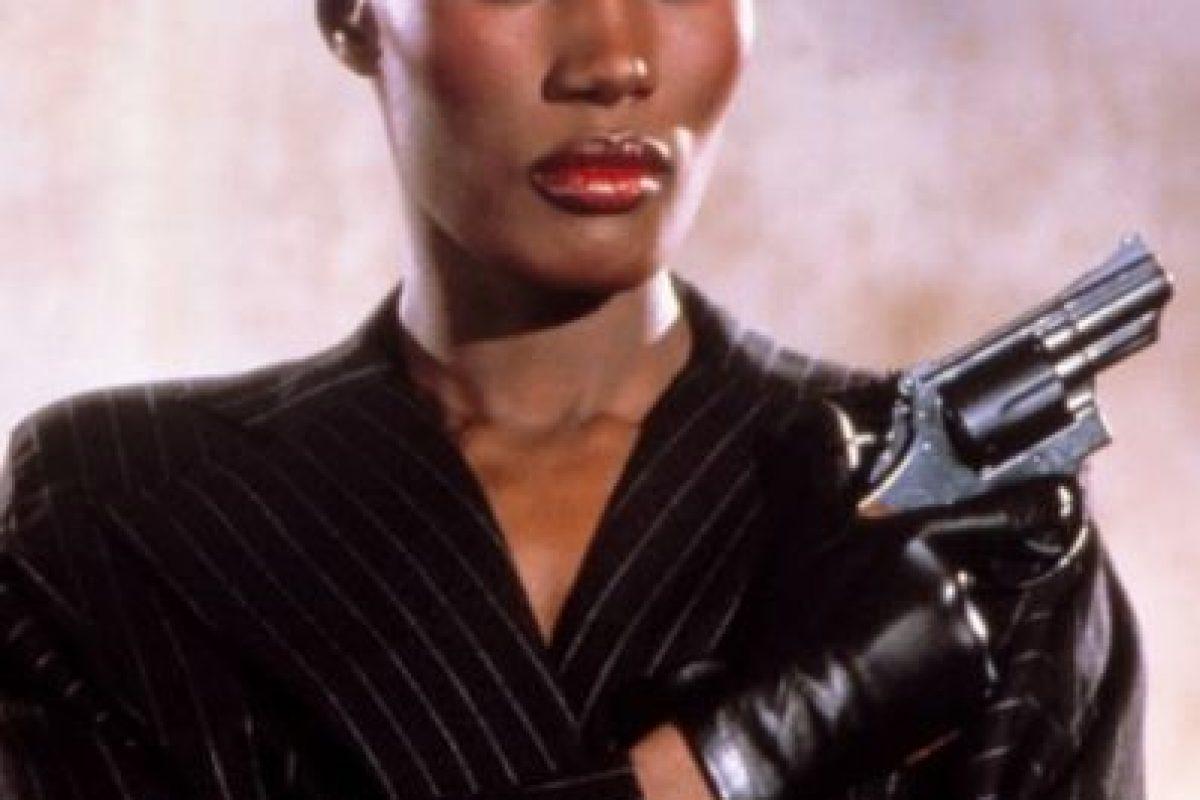 """Grace Jones, actriz y cantante estadounidense, fue la chica Bond de la cinta """"A view to kill"""" Foto:Vía imdb.com. Imagen Por:"""