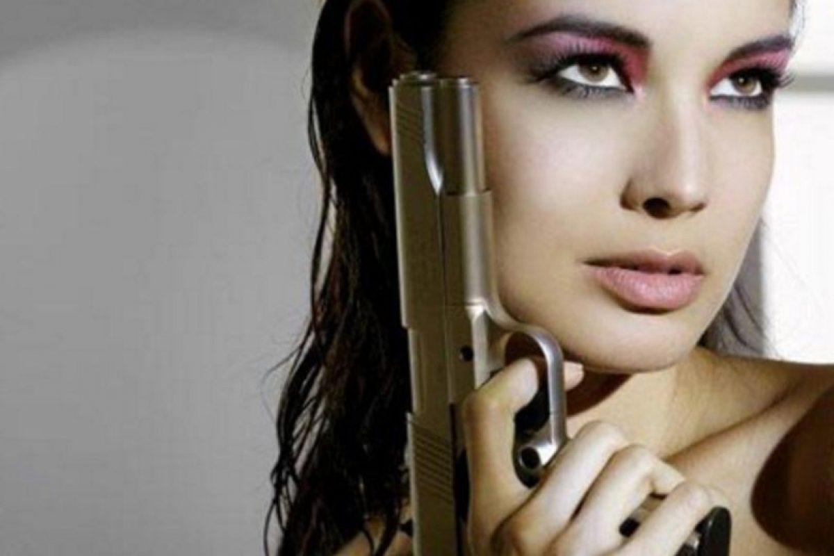 """Bérénice Marlohe interpretó en la exitosa película """"Skyfall"""" a Severine, el amor del agente Bond (Daniel Craig) en la cinta Foto:Vía imdb.com. Imagen Por:"""