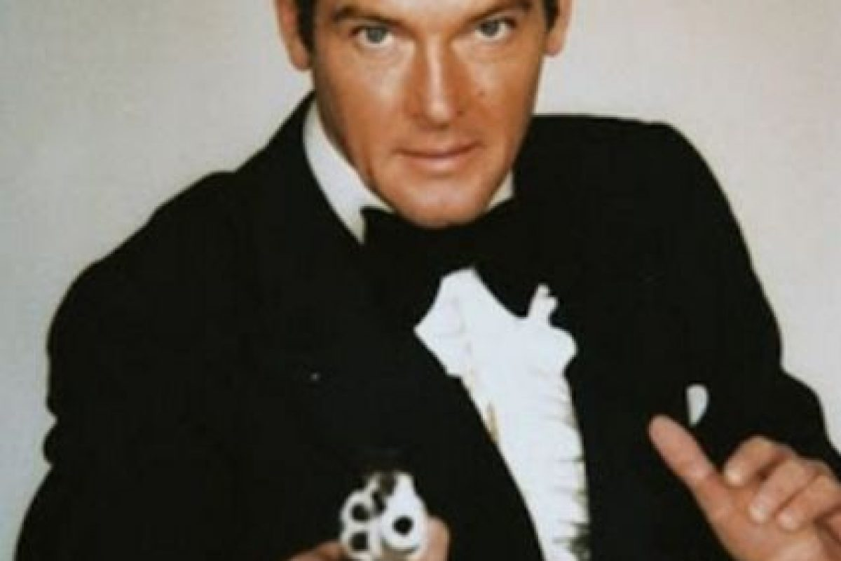 Roger Moore (1973-1985) Foto:Vía imbd.com. Imagen Por:
