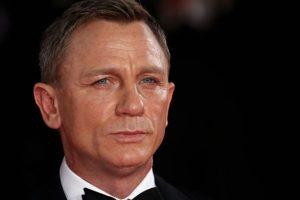 Ha sido el primer James Bond rubio y, por cuestiones comerciales, este último Bond ha cambiado el Martini por la cerveza Foto:Getty Images. Imagen Por:
