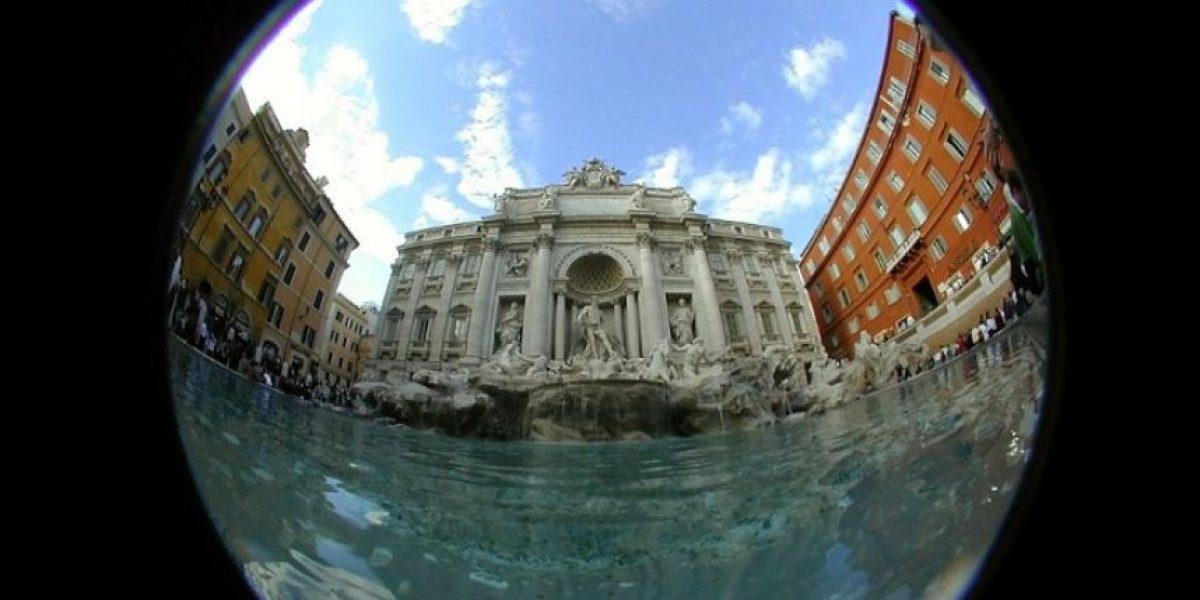 El agua vuelve a la Fontana de Trevi tras año y medio