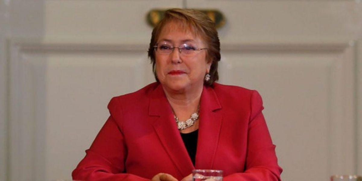 Los insólitos comentarios que le dejan a Bachelet en su Facebook