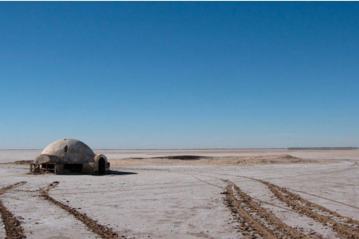 EXTERIORES DE LA GRANJA LARS: Uno de los lugares más populares de Star Wars son los cráteres artificiales donde conocimos pro primera vez a Luke Skywalker en el Episodio IV. Foto:goeuro.es. Imagen Por: