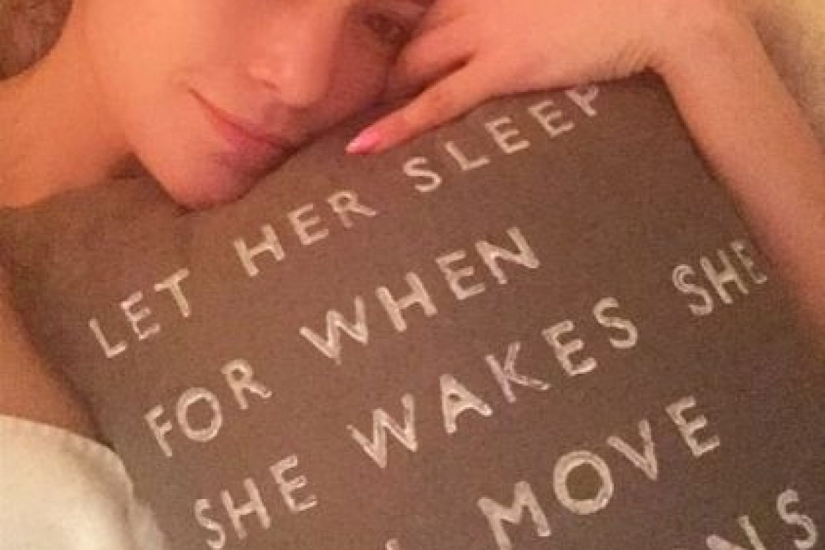 Jennifer ha dicho varias veces que ella trata de dormir bien y de no consumir alcohol para lucir una piel saludable y mantenerse bella. Foto:Instagram/jlo. Imagen Por: