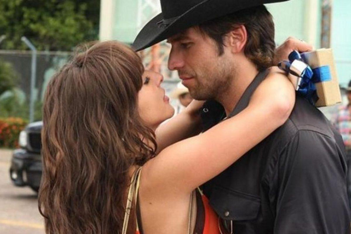 Junto a Kate del Castillo Foto:Telemundo. Imagen Por: