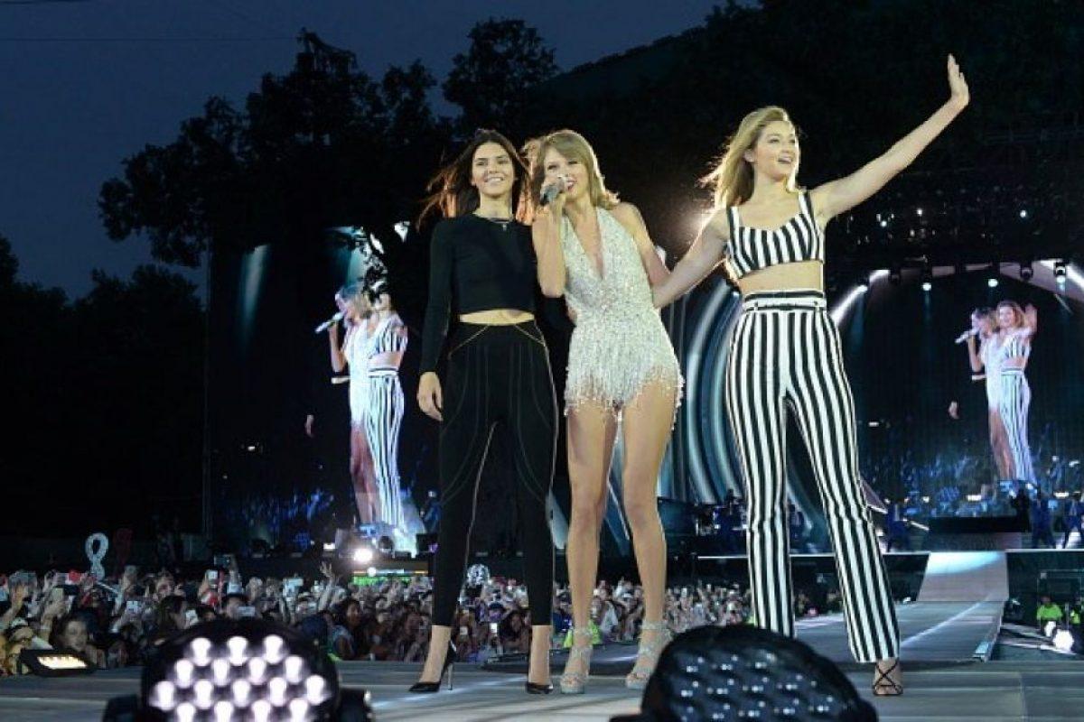 Kendall, Taylor y Gigi Hadid. Foto:Getty Images. Imagen Por: