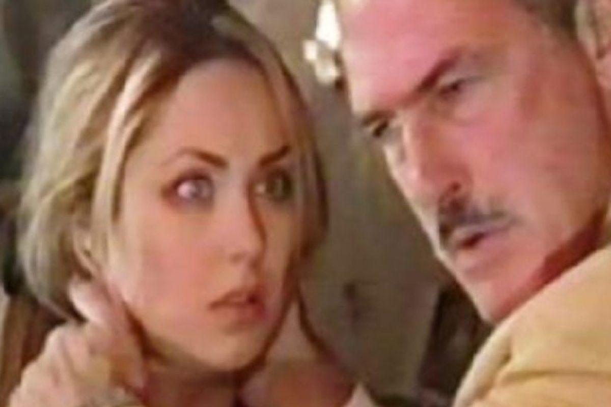 Este la engaña con otra mujer y tiene un hijo de ella. Foto:vía Televisa. Imagen Por: