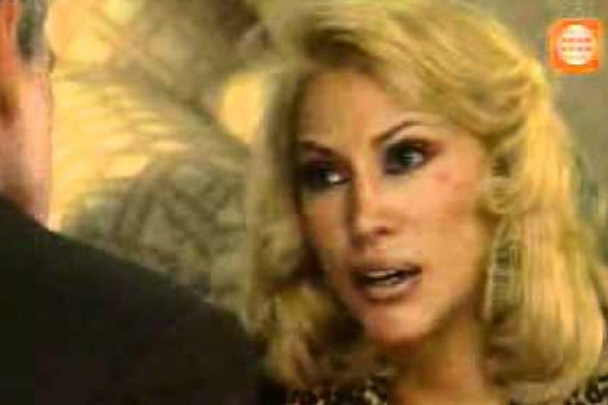Pero este la engaña y ella lo descubre con terribles consecuencias para su familia. Foto:vía Televisa. Imagen Por: