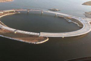 El puente entre Rocha y Maldonado se analiza desde 1950. Hasta ahora, los vehículos debían cruzar en una balsa. Foto:Vía rvapc.com/blog. Imagen Por: