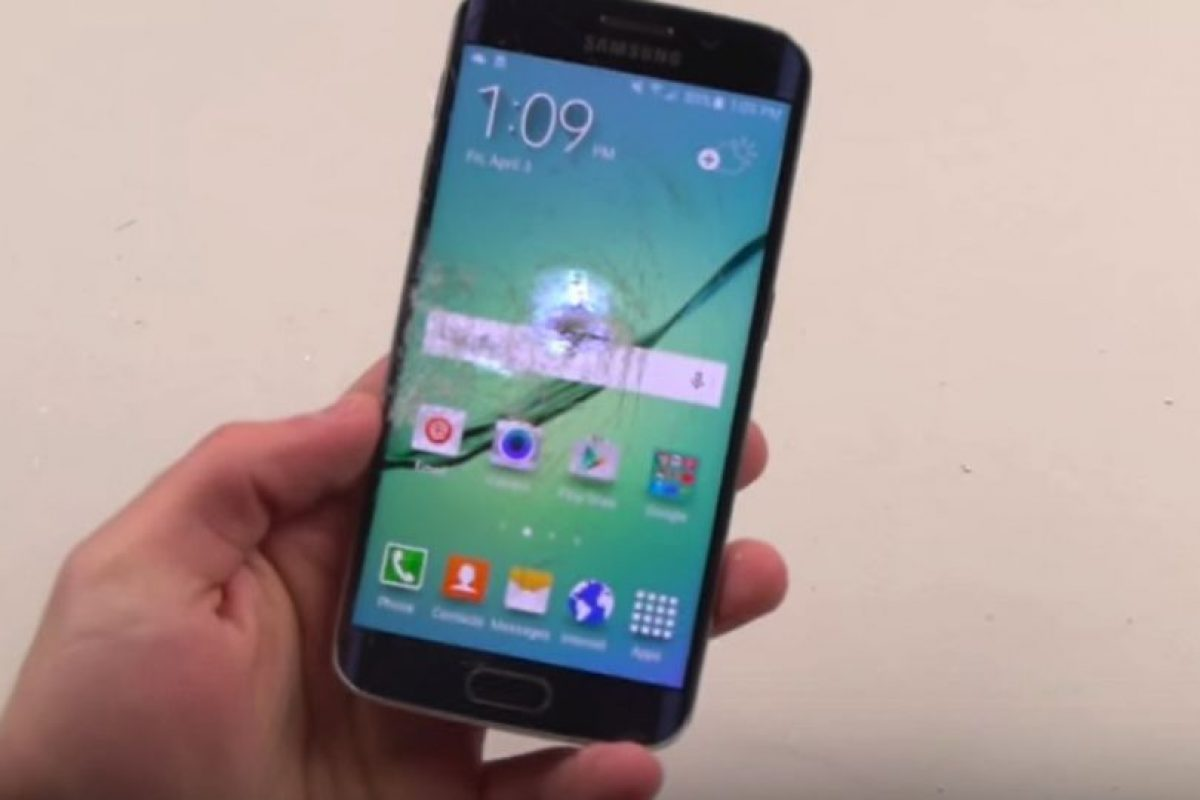 Samsung Galaxy S6 Edge Foto:TechRax / YouTube. Imagen Por:
