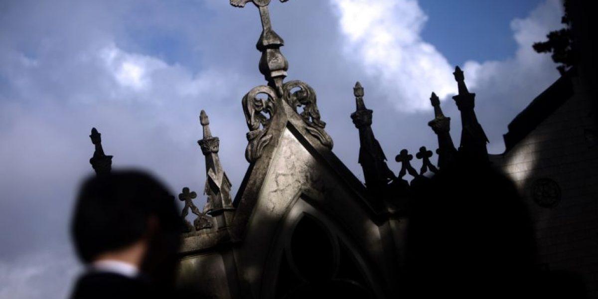 ¡De miedo! Impacto por muñeca que llora al interior de cementerio
