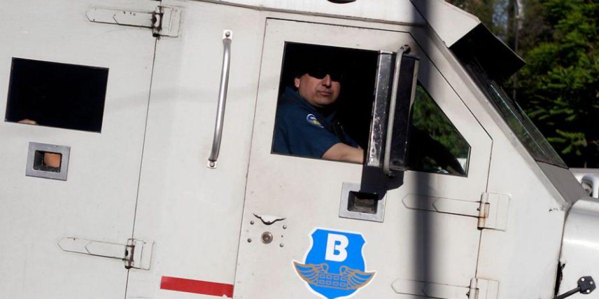 Jóvenes devuelven $100 millones tras extravío de bolsas en camión Brinks