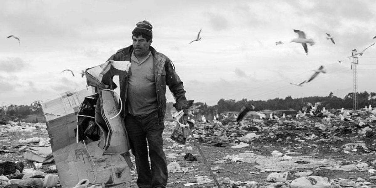 Chilenos viviendo en la basura: una dura realidad en imágenes